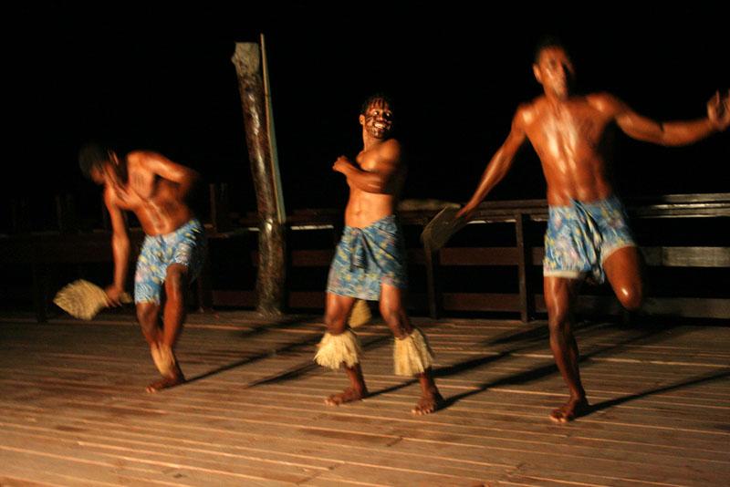 Kuata-Island-Fiji-Dance