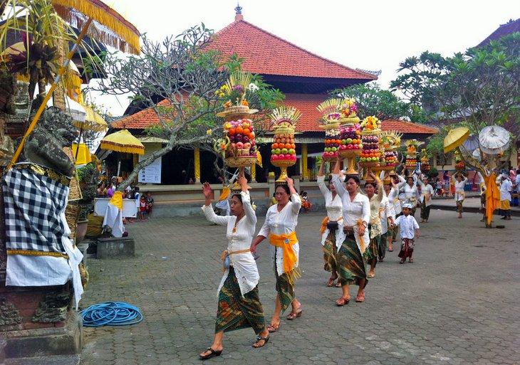 Bali-Budist-Seremonisi