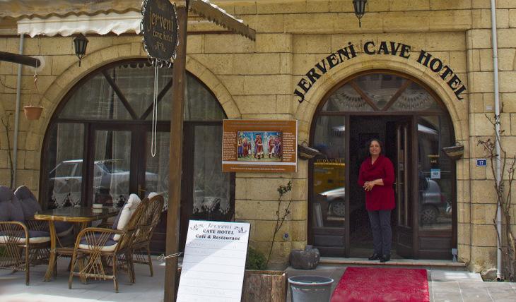 Jerveni-Cave-Hotel