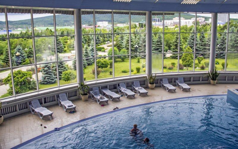Mashuk Otel kapalı havuzu
