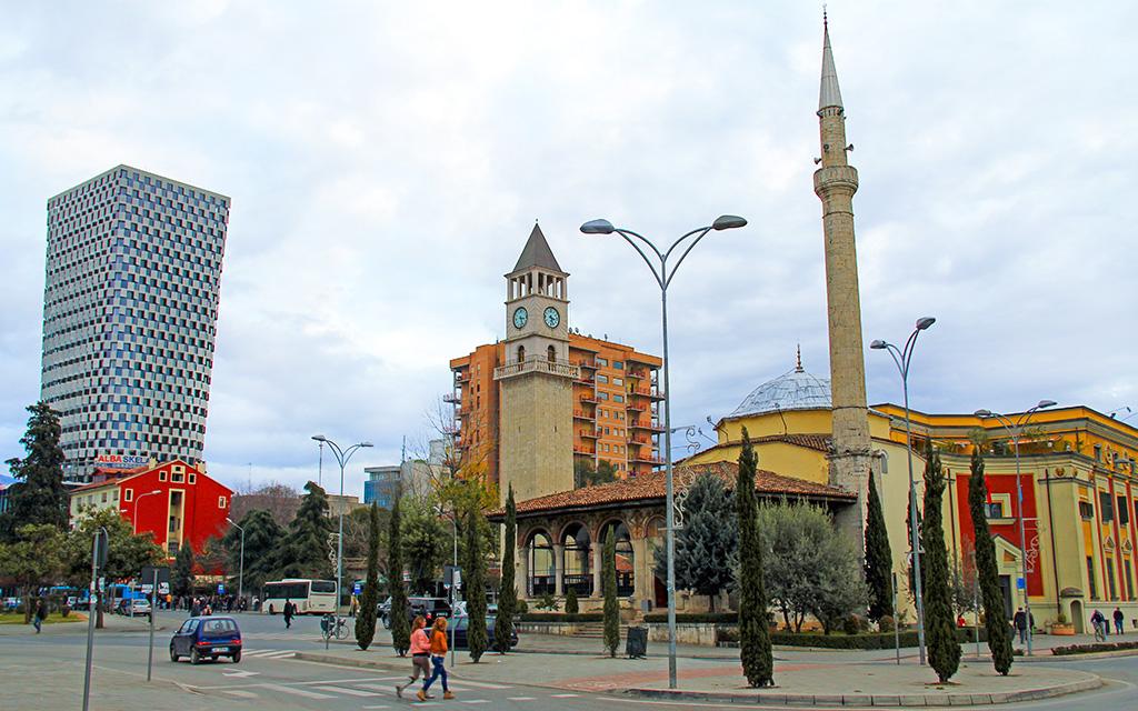 Hacı Ethem Bey Camii, Tiran