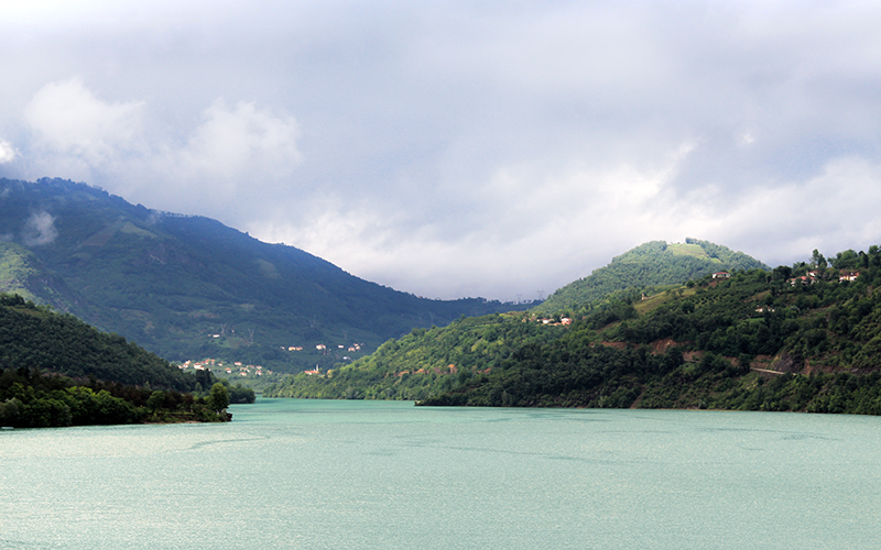 Suat Uğurlu Baraj Gölü