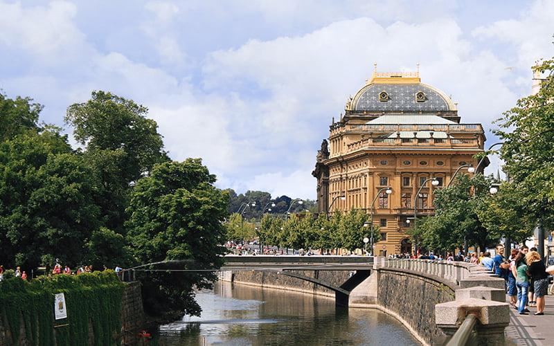 Prag Ulusal Tiyatrosu