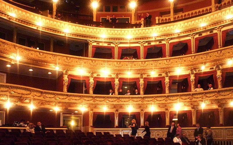 Ulusal Tiyatro Prag