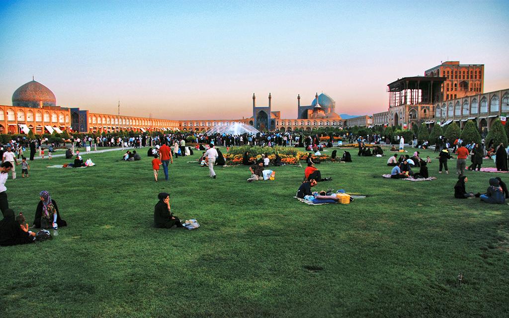 isfahan imam meydanı