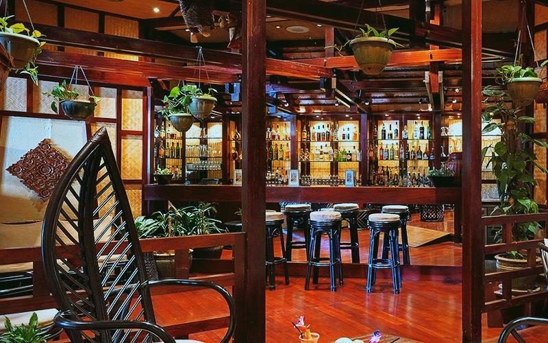 Quarterdeck Cocktail Wine Bar
